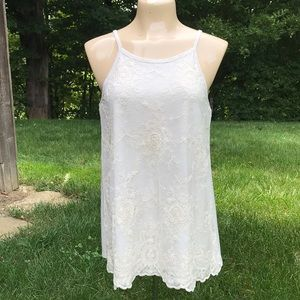 Romantic lace tank top w/caged back